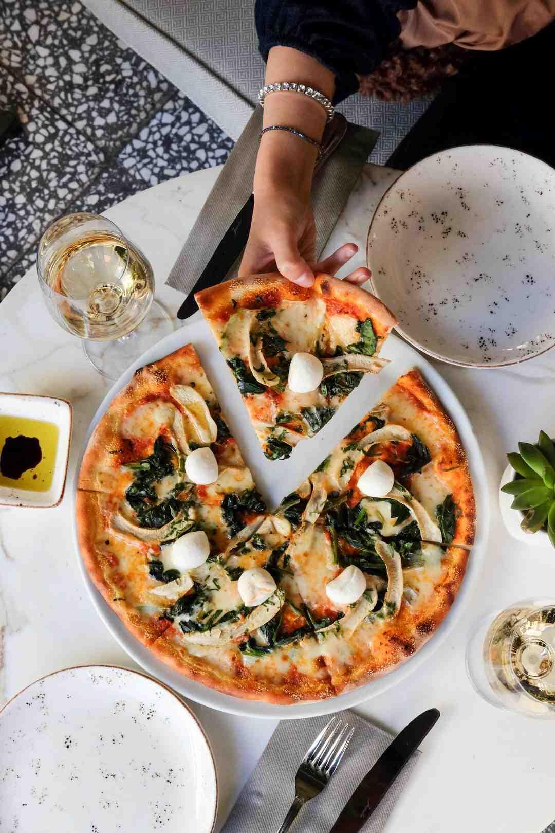 Comment réchauffer la pizza de la veille au microonde