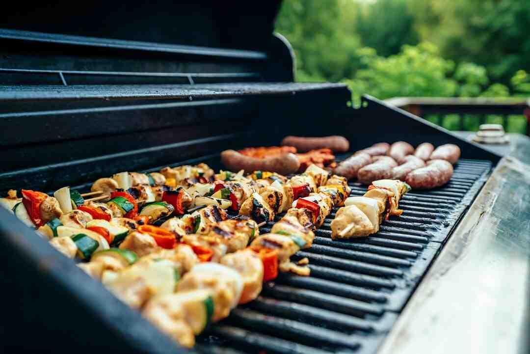 Comment nettoyer un barbecue à charbon ?