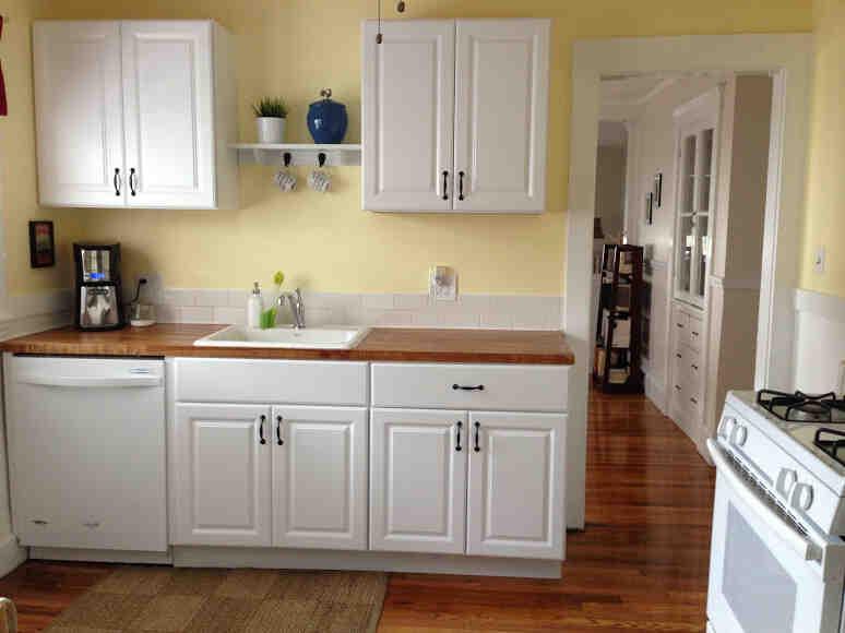 Comment installer des modules d'armoires de cuisine ?
