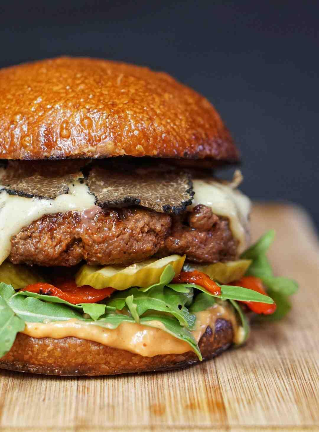 Comment manger un hamburger